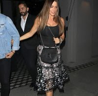 As mamas de Sofia Vergara (decote)