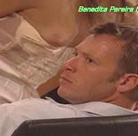 Benedita Pereira mostra uma mama (2006)
