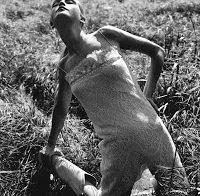 Jean Campbell com roupa transparente