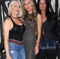 Joanna Krupa com roupa transparente