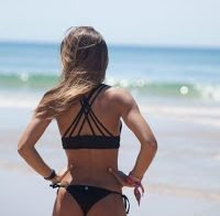 O rabo de Carolina Patrocínio na praia (2017)