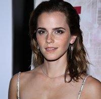 Emma Watson num vestido sem sutiã
