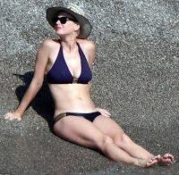 Katy Perry deslumbra de biquíni na Itália