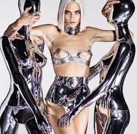 As mamas de Cara Delevingne topless (GQ)