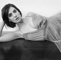 """Alison Brie: as mulheres estão """"extremamente conscientes dos seus corpos de maneira pouco saudável"""""""