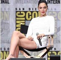 Gal Gadot deslumbra fãs na Comic Con