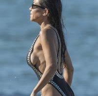 Kourtney Kardashian na praia