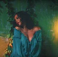 Rihanna em mais um videoclip sensual