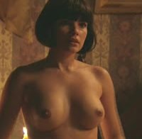 Actriz brasileira Vanessa Giacomo em topless