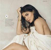 Kylie Jenner exibe corpo em ensaio