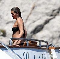 Kate Moss apanhada em topless