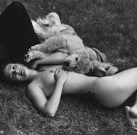 Foto de Drew Barrymore nua (1992)
