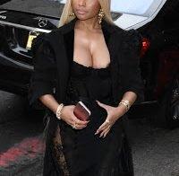 Mamilo de Nicki Minaj decide espreitar