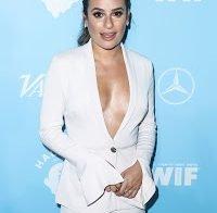 Lea Michele com um decote enorme