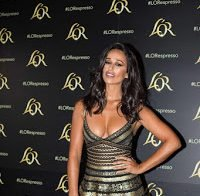 Rita Pereira abusa no decote e mini-saia