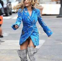Upskirt de Rita Ora em filmagem
