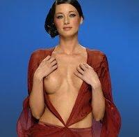 Mamas de Orsi Feher topless em 2006