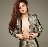 Selena Gomez em ensaio provocante