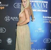 Enorme sideboob de Joanna Krupa