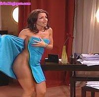 Raquel Henriques mostra curvas (nua)