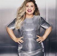 """Kelly Clarkson cobre Redbook: """"É quando eu estou gorda que sou feliz"""""""