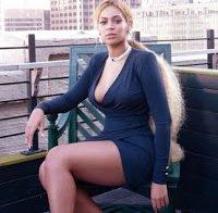 Beyoncé com um decote magnífico