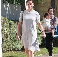Jennifer Garner simples na rua