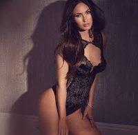 Megan Fox posa em lingerie