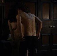 Actriz Caitriona Balfe nua (série Outlander)