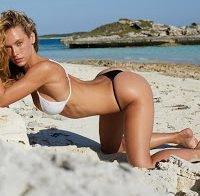 Hannah Ferguson de biquíni
