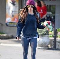 Megan Fox em calças de yoga