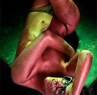 Joana Duarte semi-despida em 2010 (covered topless)