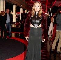 Vestido transparente de Marisa Cruz deixa adivinhar lingerie