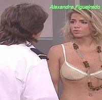Alexandra Figueiredo de lingerie na série Maré Alta (2005)
