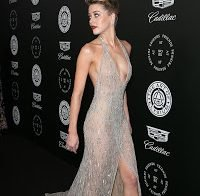 Amber Heard e o seu vestido transparente