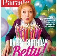 """Betty White, 96 na próxima semana, """"eu adoro trabalhar. Eu continuarei trabalhando até pararem de perguntar."""""""