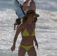 Britney Spears e o seu belo corpo em biquíni