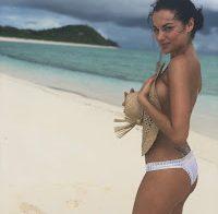 A bela actriz Christina Ochoa topless