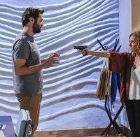 Os mamilos de Joana Solnado em cena de novela
