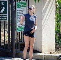 As belas pernas de Elizabeth Olsen