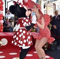 A sensualidade da pin-up Katy Perry
