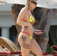 Olivia Buckland e o seu belo corpo tatuado