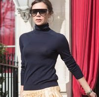 Victoria Beckham descontraída sem soutien
