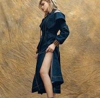Chloe Grace Moretz sensual em ensaio