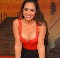 Cinthia Camargos coloca mamas novas (ex-concorrente Casa dos Segredos)