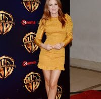 As belas pernas de Isla Fisher