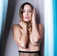 Marisa Cruz em ensaio topless (2017)