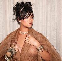 Rihanna usa roupa transparente (Coachella 2018)