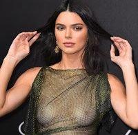 Kendall Jenner sem soutien e com roupa transparente
