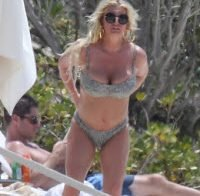 As belas curvas de Jessica Simpson